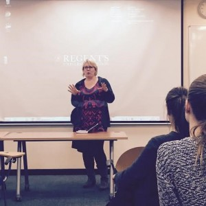Our colleague, Vanessa Porter gave to students a feedback about their presentations