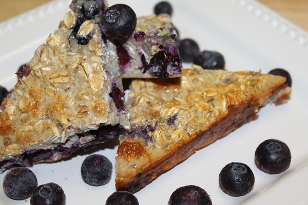 bluberry-oatmeal-protein-squares-
