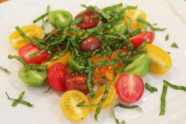 tomatoes-fresh-basil