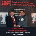 Larry Lapide receiving award