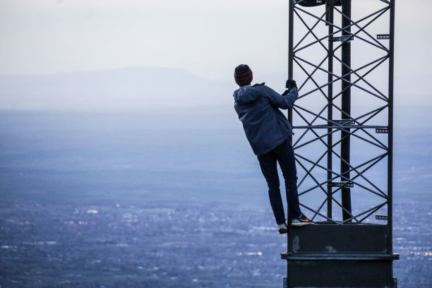Hidden Insights-Where are telecommunications players with 5G and streaming analytics