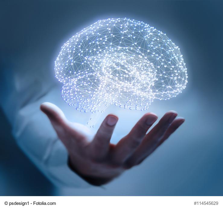 Hand mit leuchtendem Gehirn-Netzwerk
